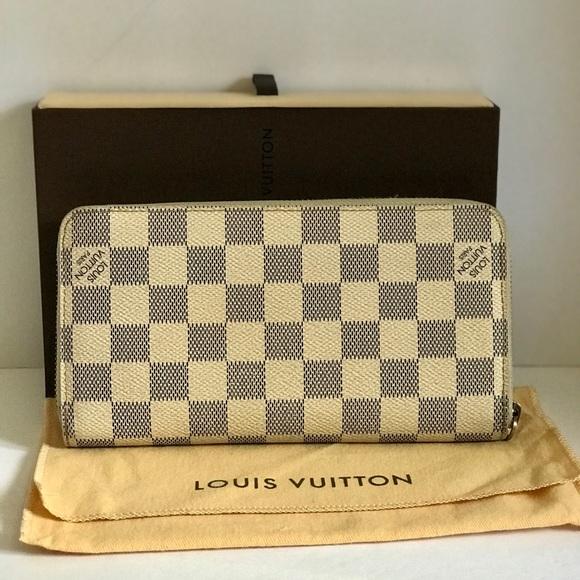 62166f13666e9 Louis Vuitton Handbags - Authentic Louis Vuitton Damier Azur Wallet
